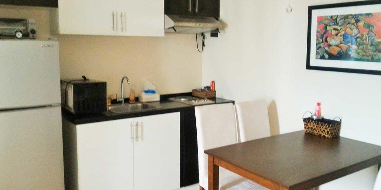aidatowers-1br-2-kitchen-1200x800