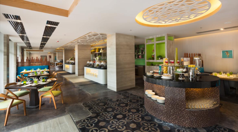 Savoy-Hotel-Boracay-Newcoast-Cafe